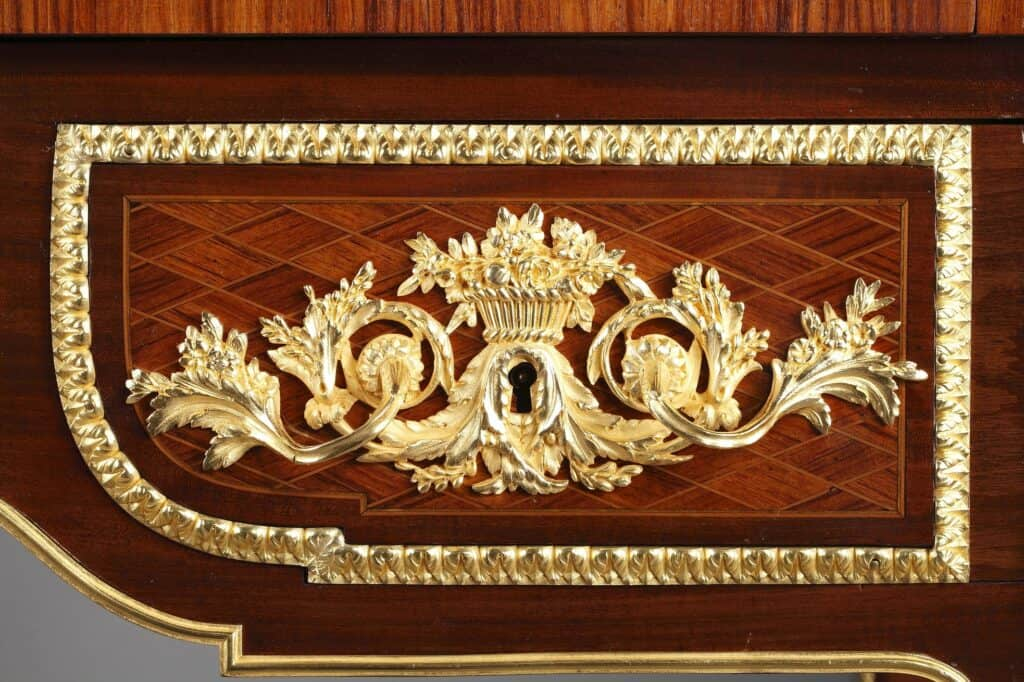 Copie du tiroir du bureau à cylindre de Jean Henri Riesener pour Marie Antoinette