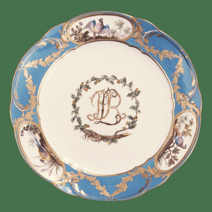 Assiette en porcelaine de Sèvres. Pâte tendre. Bleu céleste.
