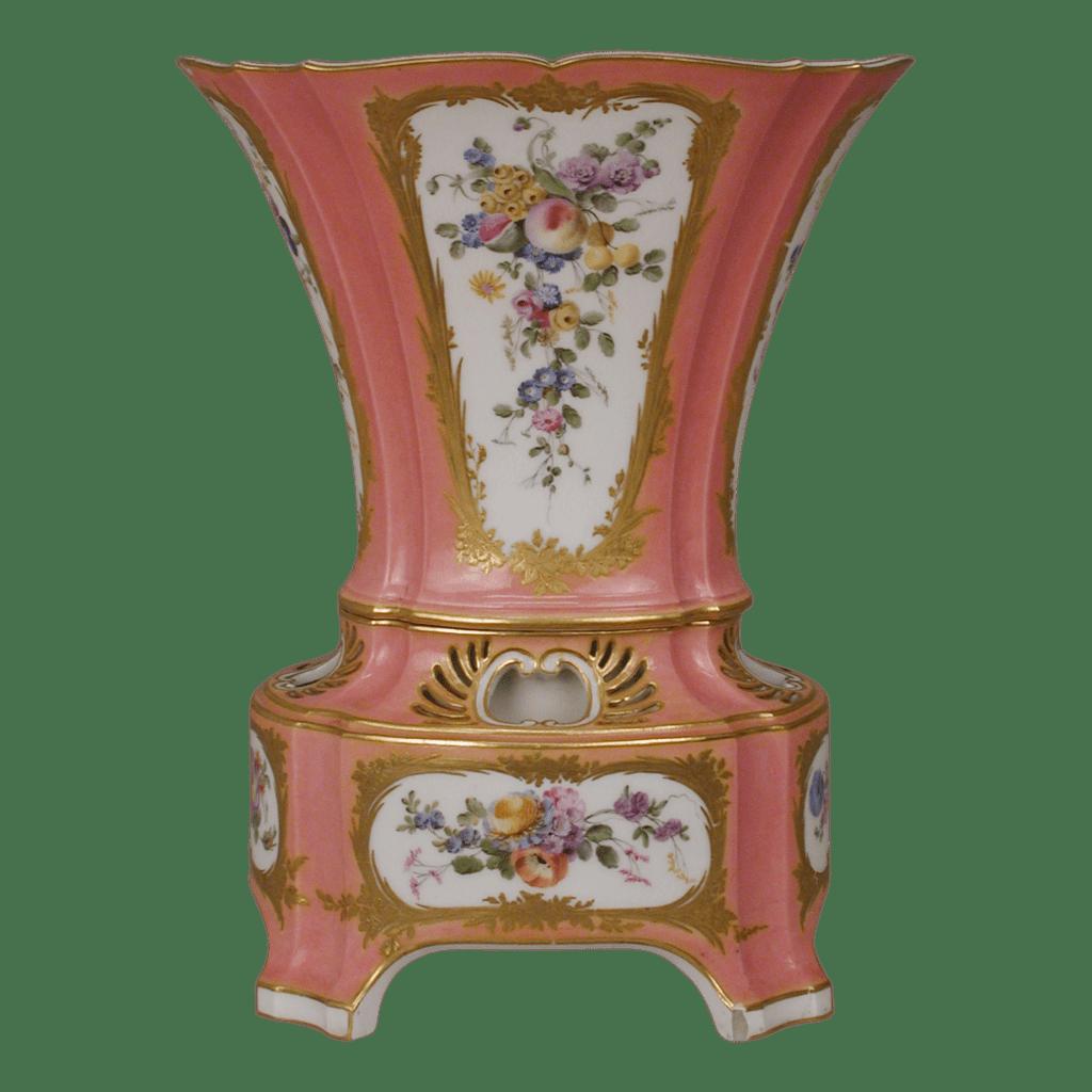 Vase en porcelaine de Sèvres. Rose Pompadour.