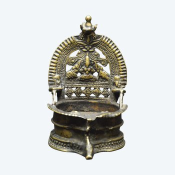 India / Old ceremonial oil lamp in copper alloy / 19th century