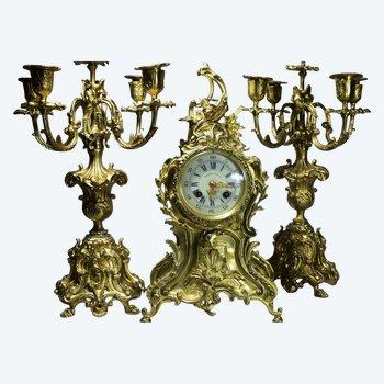 Garniture De Cheminée En Bronze Doré De Style Louis XV