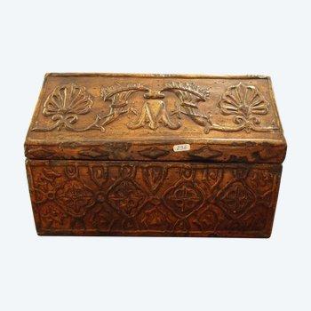 Coffret style XVIIème en bois sculpté et doré, début XXème