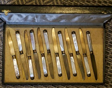 Gold Mother of Pearl Fruit Knives