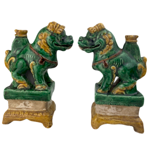 Pair of Fô Dogs in green and ocher ceramic incense stick holder Ming dynasty