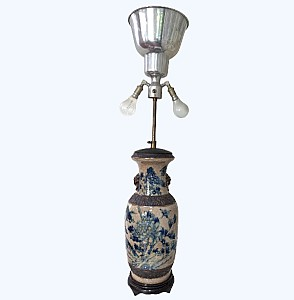 Nanjing porcelain baluster vase lamp decorated with birds and foliage