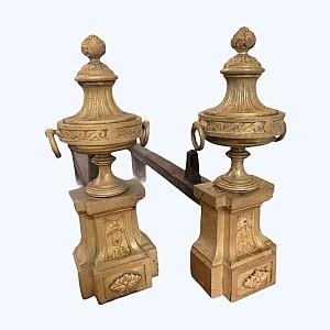 Paar Andirons bilden einen Feuertopf und Granate Louis Xvi Bouhon Stil