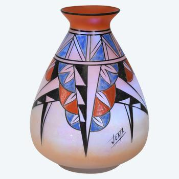 Joma – Vase Art Deco – Verre opalescent – France, vers 1925.