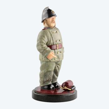 """Geschnitzte Figur """"Feuerwehrmann"""""""