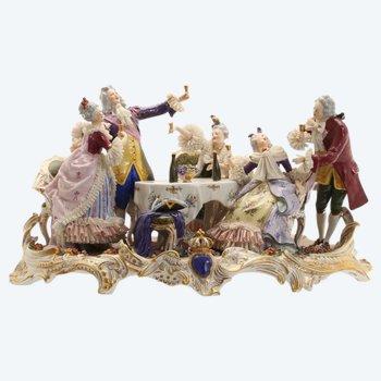 """Composition en porcelaine """"Le banquet des Monsieur et Dames"""""""