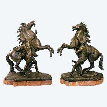 """Sculptures jumelées """"Dompteurs de chevaux"""" ou """"Chevaux Marley"""""""