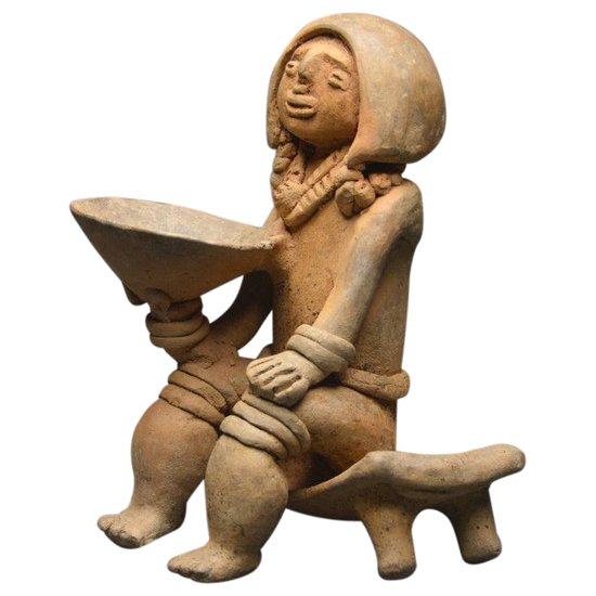 Art Précolombien / Grande représentation en céramique d'un shaman / Colombie - Culture Tayronas / 800 - 1200 ap J. -C.