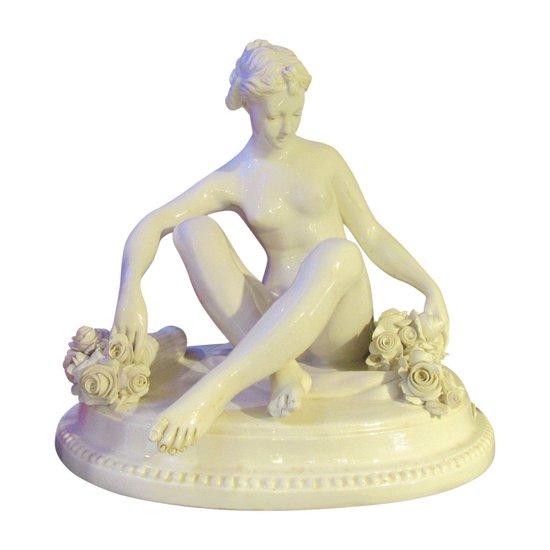 Capodimonté représentant une Nymphe