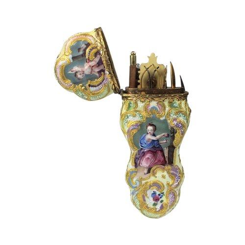 Etui en porcelaine du groupe Rainbow. 19ème siècle