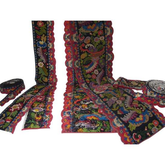 Volant- und Wandteppichbänder aus dem 19. Jahrhundert