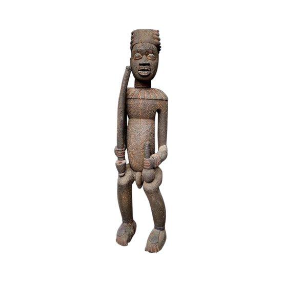 SCULPTURE d'un DIGNITAIRE Culture Bamoun, Cameroun Première moitié du XXème siècle