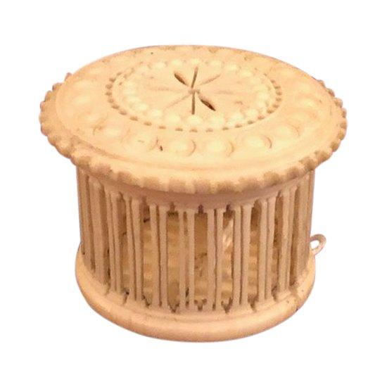 Knochen-Cricket-Box